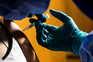 A Itália retomou esta sexta-feira a vacinação com doses da vacina da AstraZeneca/Oxford
