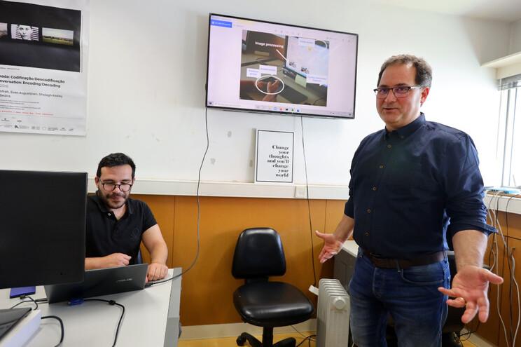 Marco Gomes e Paulo Novais, coordenador do projeto de investigação do Centro Algoritmi
