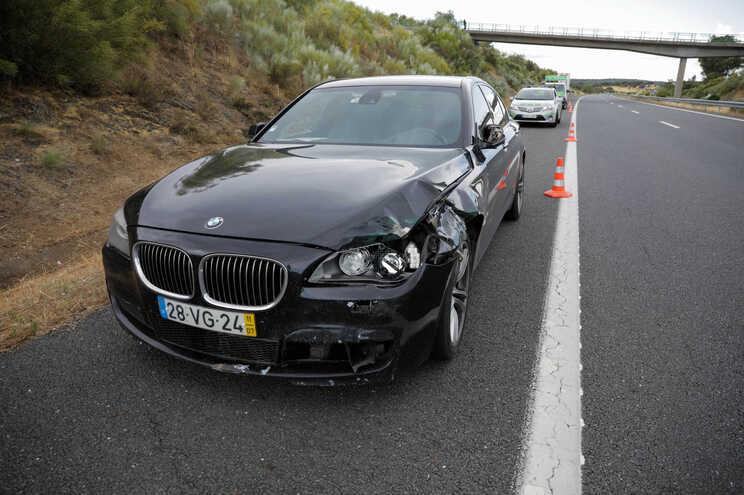 BMW em que seguia Eduardo Cabrita era propriedade de um homem condenado por tráfico de droga