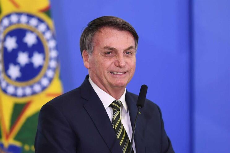 "Jair Bolsonaro acusado de ""atitudes irresponsáveis, criminosas e genocidas"""