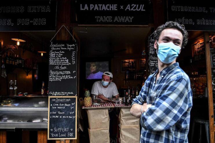 França prolonga estado de emergência até 10 de julho