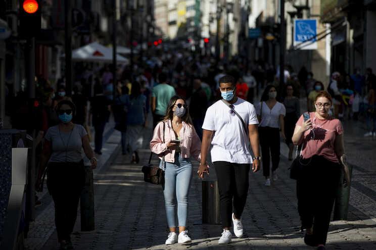 PSD pede audição de peritos sobre uso de máscaras