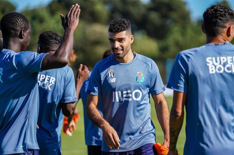 Taremi mostrou boa disposição no primeiro treino pelo F. C. Porto