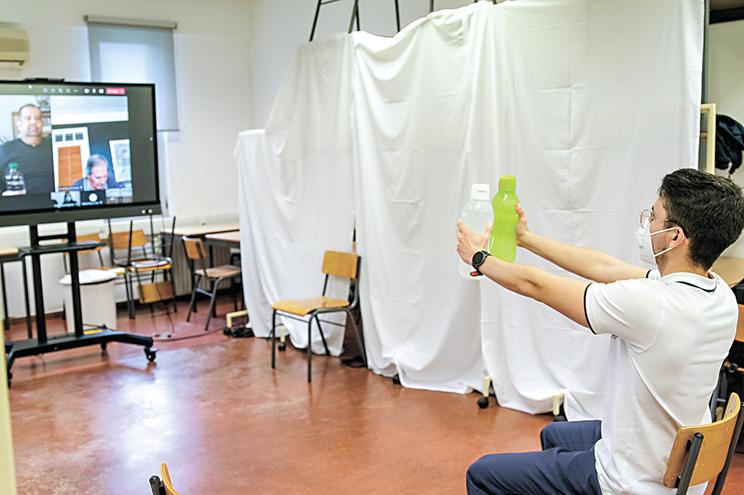 Sessão de telerreabilitação em fisioterapia respiratória no Politécnico de Setúba