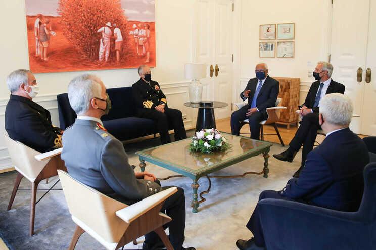 Costa recebeu em São Bento o chefe de Estado Maior General das Forças Armadas e os chefes máximos dos