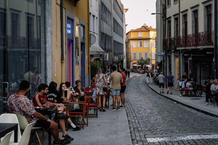 Grupos maiores no interior e nas esplanadas dos restaurantes não resolvem prejuízos acumulados há 18