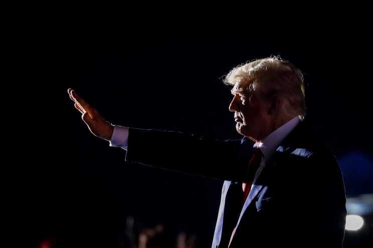 Donald Trump baseou-se na recuperação económica alemã para tecer elogios a Hitler
