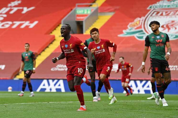 O Liverpool regressou às vitórias este domingo
