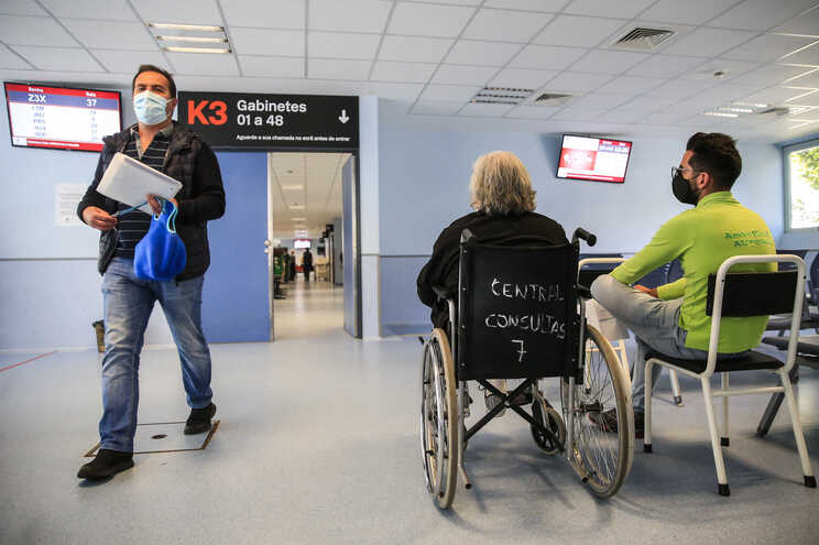 Com a retoma da atividade das consultas externas, os horários do centro ambulatório do S. João foram