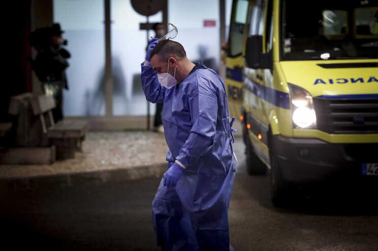 Administrações de sete hospitais de Lisboa criticam distribuição de doentes