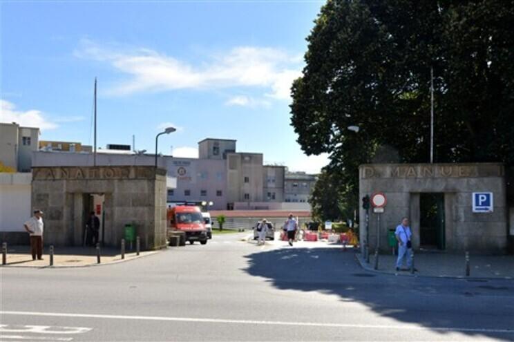 O homem foi transportado para o Hospital Santos Silva, em Vila Nova de Gaia