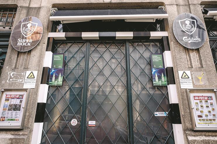 Alunos espanhóis estiveram em convívio no bar Adega Sports Bar, no Porto