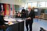 Mesas de voto abriram para escolha de sucessor de Merkel na Alemanha