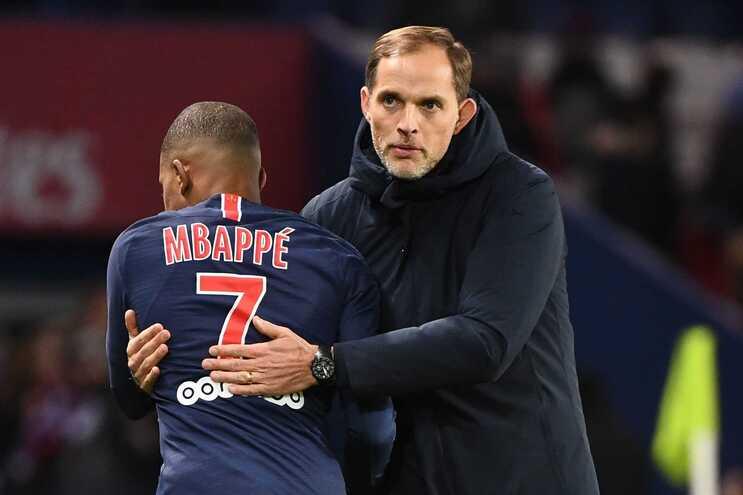 Mbappé e o técnico Thomas Tuchel