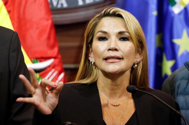 A senadora Jeanine Áñez Chavez assumiu a presidência