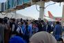 Multidão invade aeroporto de Cabul para tentar fugir do Afeganistão