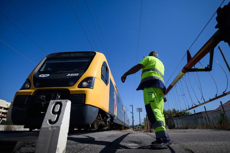 Plano ferroviário tem que ter em consideração serviços a prestar