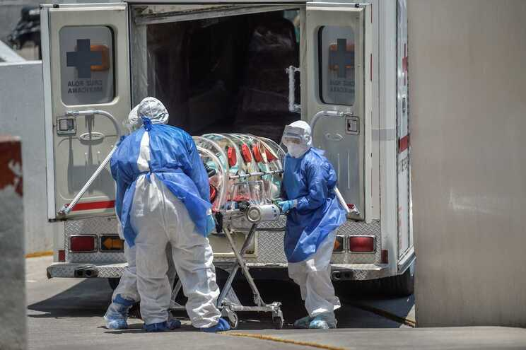 América supera Europa e torna-se no novo foco mundial da pandemia