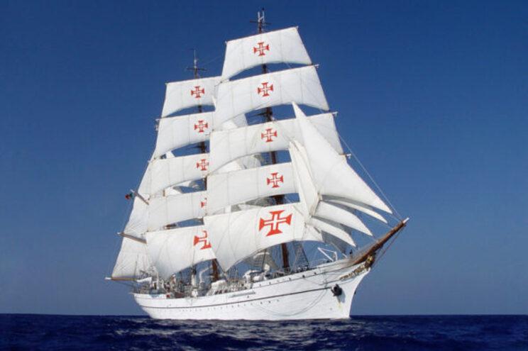 Crianças da Pediatria dos hospitais do Algarve visitam o navio-escola Sagres