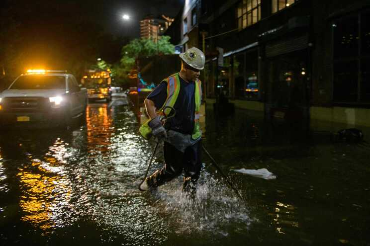 Os fortes ventos e chuvas associadas ao Ida causaram inundações significativas
