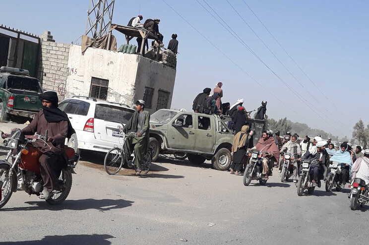 A maior parte do norte, oeste e sul do país está agora sob o controlo dos rebeldes