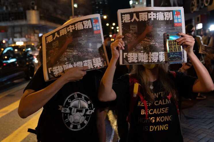 Jornal crítico do regime chinês foi obrigado a encerrar