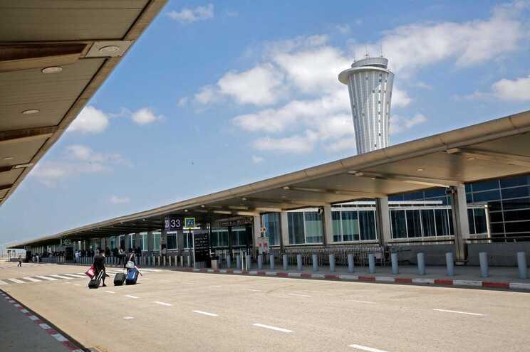 Os voos com destino ao aeroporto internacional Ben Gurion na capital israelita, Telavive, foram desviados