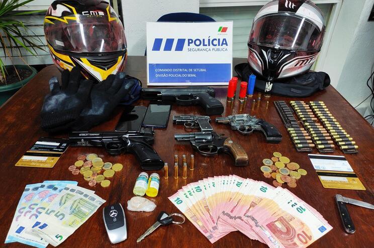 PSP deteve dois homens e evitou assalto a carrinha de valores no Seixal