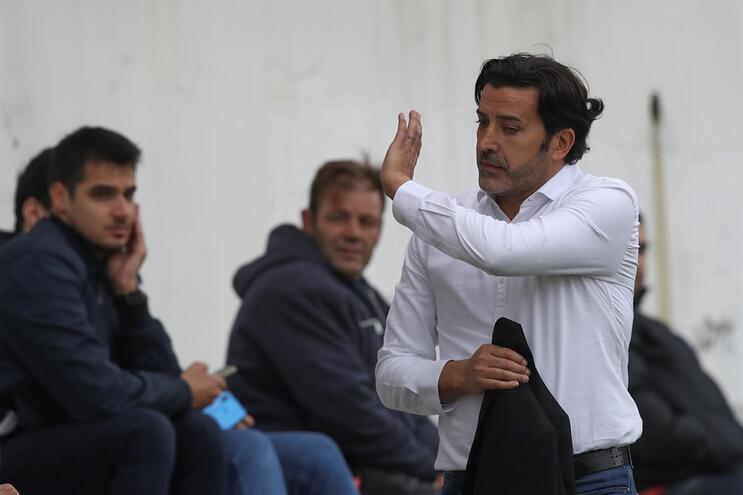 Varzim rescinde com o treinador Nuno Capucho