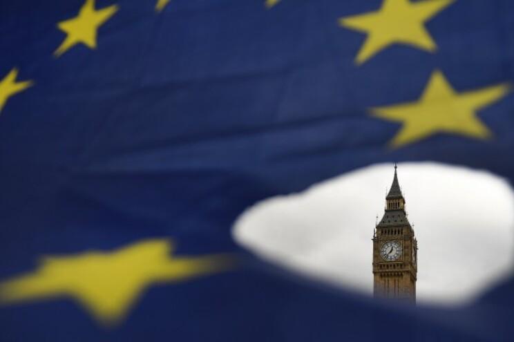 Brexit não trava subida da emigração para o Reino Unido