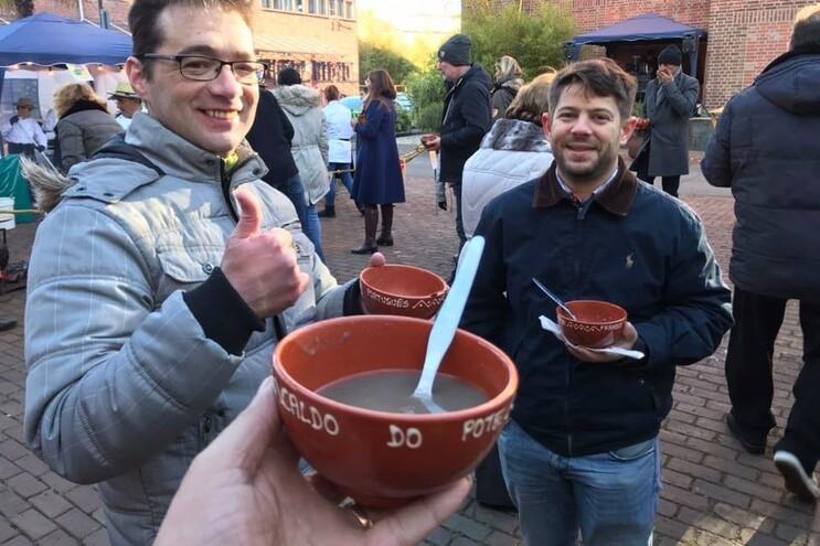 Caldo no Pote leva sabores portugueses a Düsseldorf