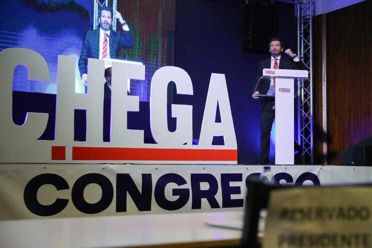 """""""Não há aqui analfabetos"""", diz presidente da mesa do Chega"""