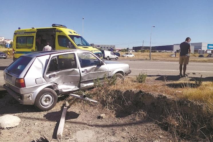 Acidentes são comuns naqueles cruzamentos na Mealhada. Já se registaram pelo menos 14 mortes