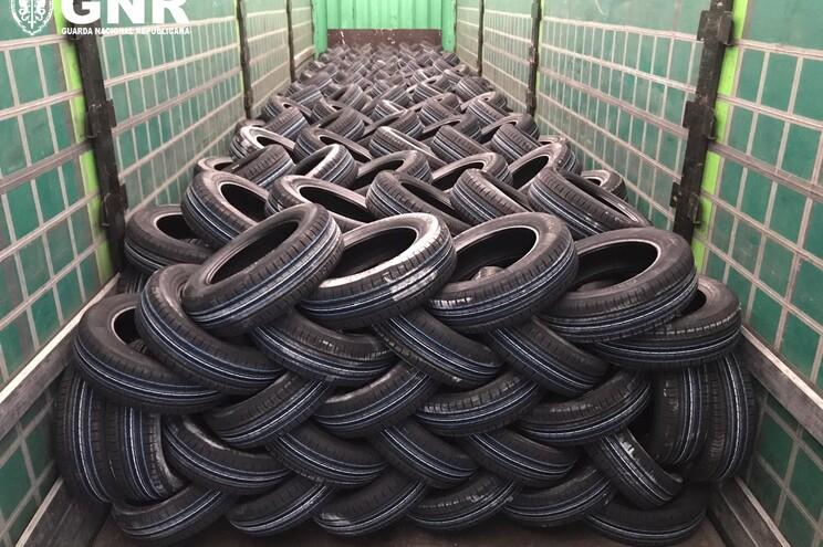 Os pneus furtados valiam 40425 euros