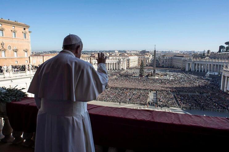 O cardeal Angelo Becciu foi destituído pelo Papa Francisco em setembro