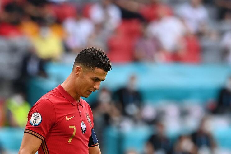 Portugal perdeu por 4-2 com a Alemanha e complicou a qualificação para os oitavos de final