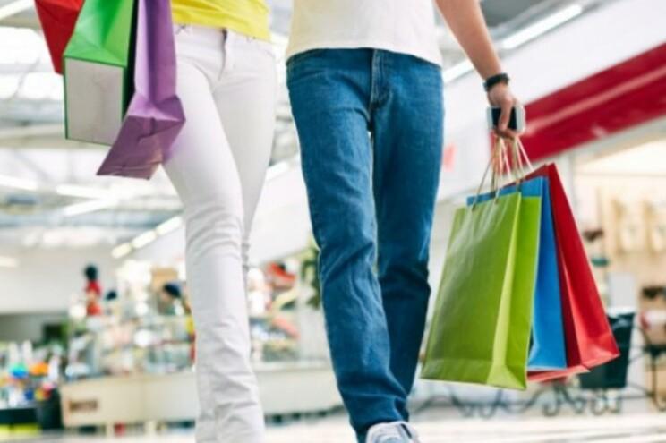 Cartões de crédito das marcas cobram juros máximos