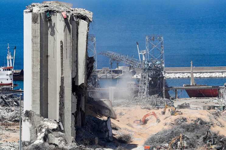 Mais de 2700 toneladas de nitrato de amónio estavam armazenadas no porto