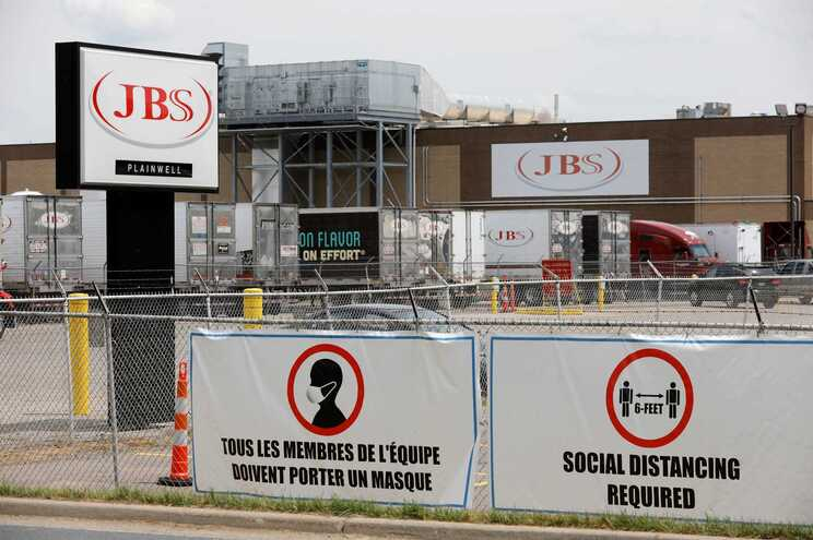 A JBS, cuja empresa-mãe está no Brasil, disse que o pagamento foi efetuado em criptomoeda