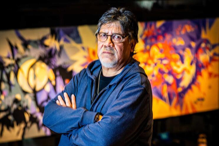 O escritor Luís Sepúlveda foi internado num hospital das Astúrias após dar positivo para coronavírus