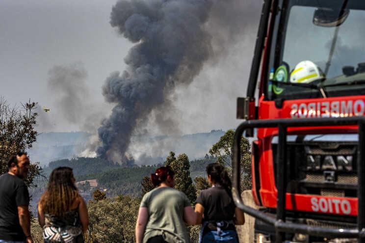 """O SGIFR, vai substituir o atual sistema de defesa da floresta """"contra incêndios, de 2006."""