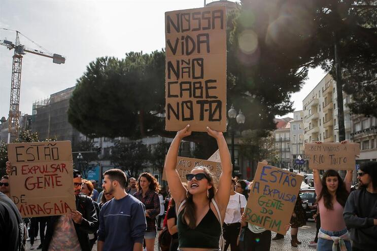 Manifestações pelo direito à habitação no Porto têm juntado várias associações