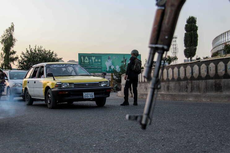 Forças afegãs reforçam segurança face ao aumento da ofensiva talibã