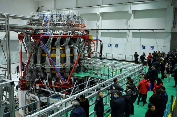 O primeiro reator nuclear desenvolvido pela China, a ser integrado na rede do país, desligou-se de emergência