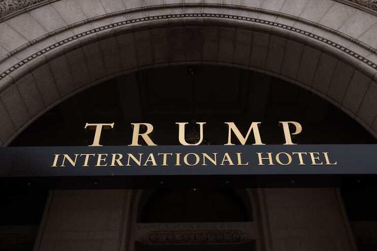 A organização inclui centenas de empresas ligadas a Donald Trump ou aos seus próximos