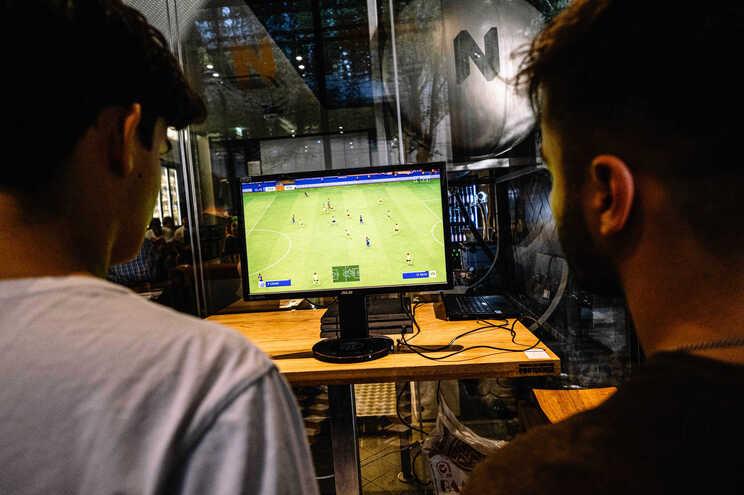 """A empresa lança um jogo """"FIFA"""" todos os anos"""