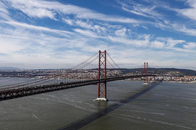 Obras na Ponte 25 de Abril começam hoje e condicionam trânsito