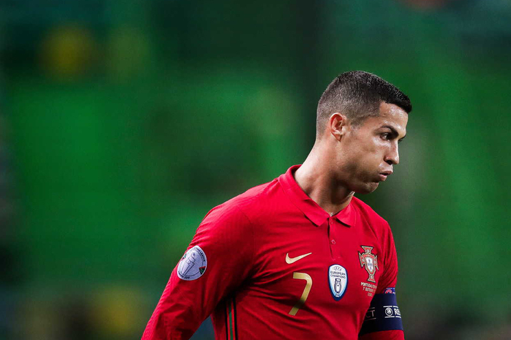 Cristiano Ronaldo testou positivo ao novo coronavírus