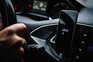 Motoristas, estafetas e restaurantes ponderam avançar com providência cautelar à Uber