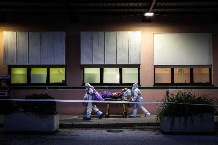 Férias de médicos e enfermeiros dependem da evolução da pandemia